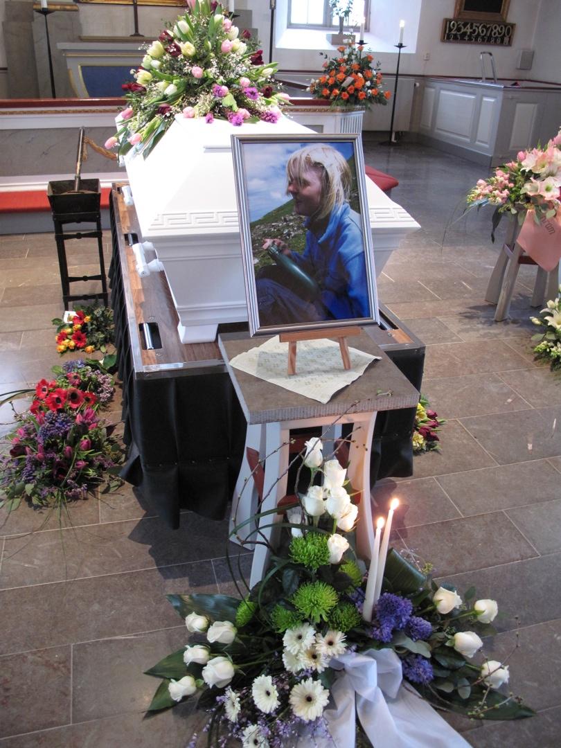 hur går en begravning till